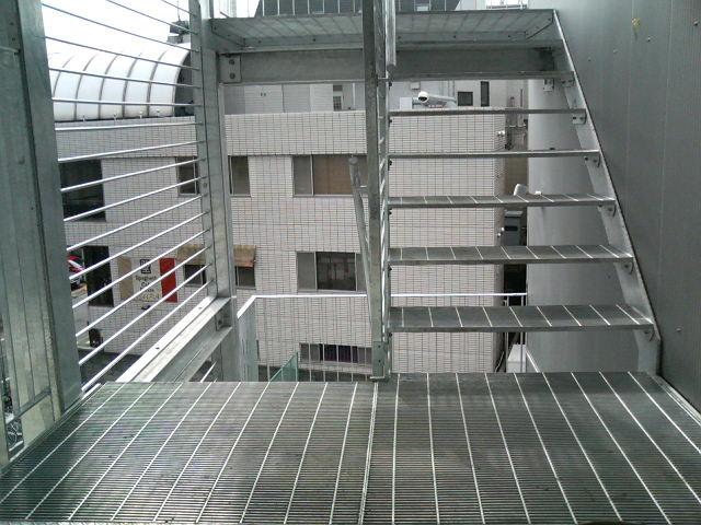 階段グレーチング
